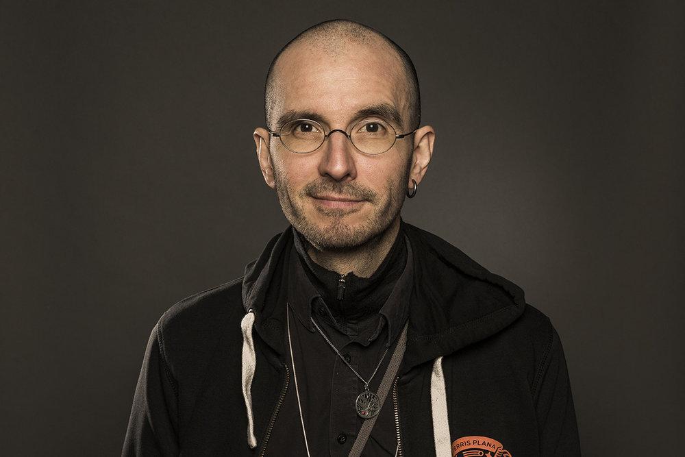 <b>Eröffnung und Begrüßung</b><p> Moderation Dr. Mark Benecke, Kriminalbiologe